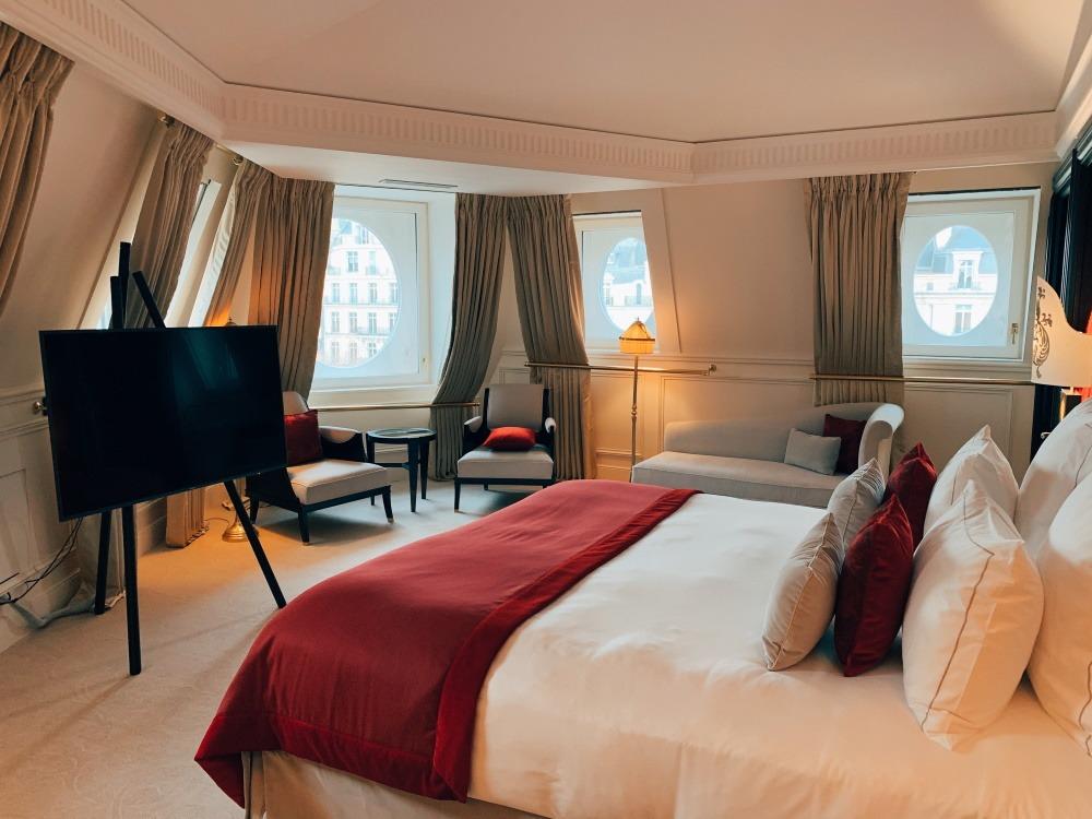 Jeté de lit hôtel rideaux sur-mesure