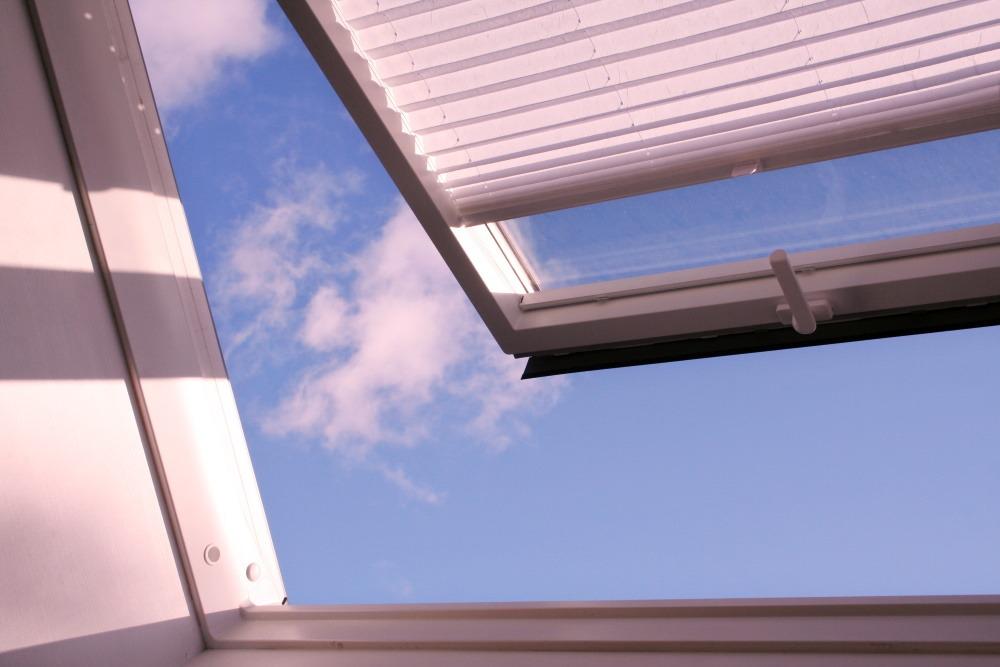 Store plissé fenetre de toit